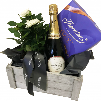 Luxury Champagne & Flowers Gift Basket