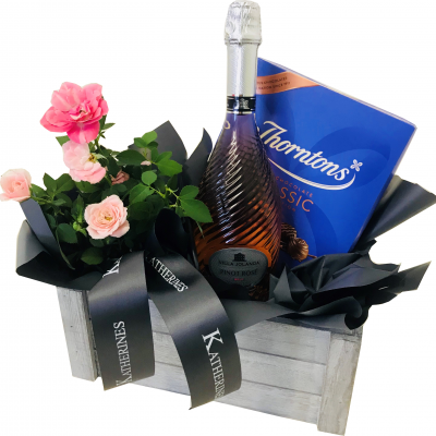 Large Rose and Geisweiler Excellence Sparkling Rose/White Brut Hamper