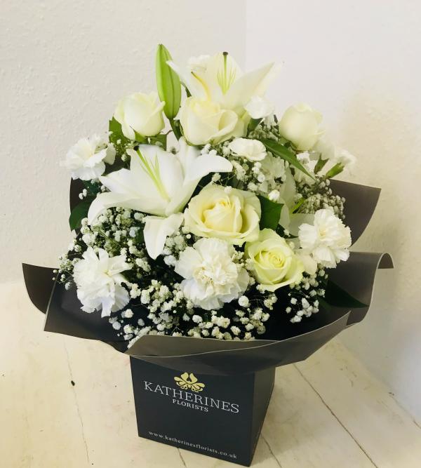 Vanilla Sundae Flowers Bouquet