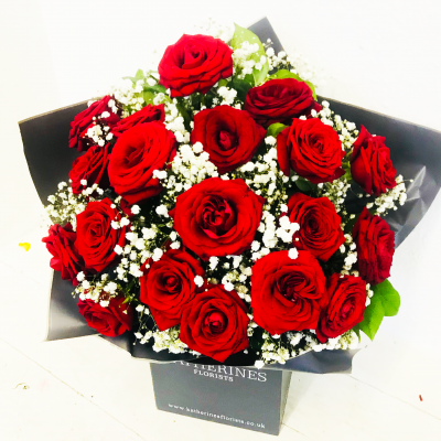 Luxury Large Headed Red Roses