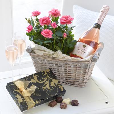 Luxury Sparkling Rosé Gift Basket